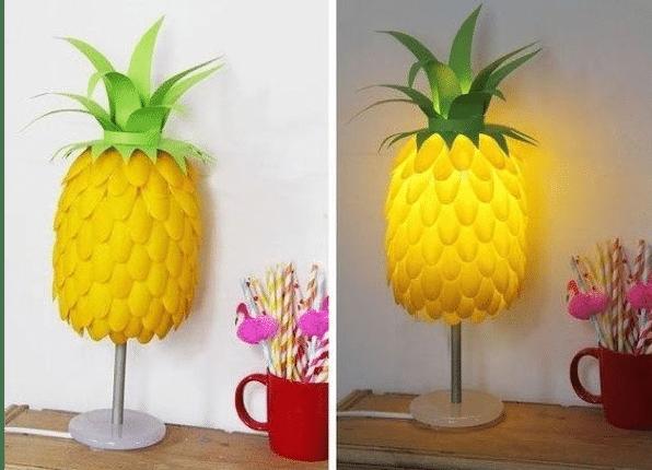 Lámpara reciclada con forma de piña